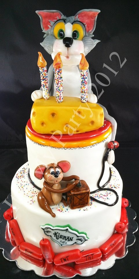 Brilliant Birthday Cakes Tom Jerry Cake Yesbirthday Home Of Birthday Birthday Cards Printable Trancafe Filternl