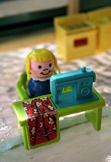 Swell Birthday Cakes Fisher Price Sewing Machine Yesbirthday Home Personalised Birthday Cards Beptaeletsinfo