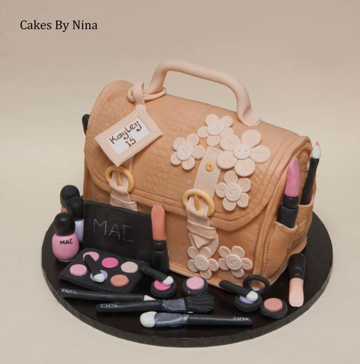 Birthday Cakes : Handbag and Make up