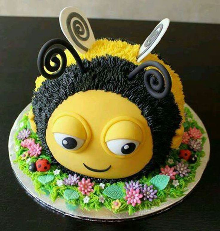 Superb Birthday Cakes Bumble Bee Yesbirthday Home Of Birthday Personalised Birthday Cards Paralily Jamesorg