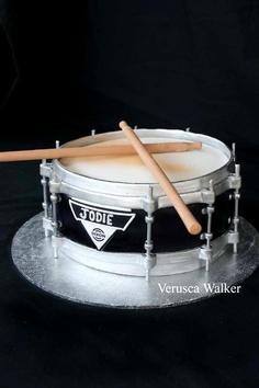 Awe Inspiring Birthday Cakes Drum Cake Yesbirthday Home Of Birthday Wishes Personalised Birthday Cards Paralily Jamesorg